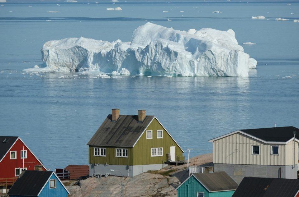 На Гренланд забрзано се топи мразот