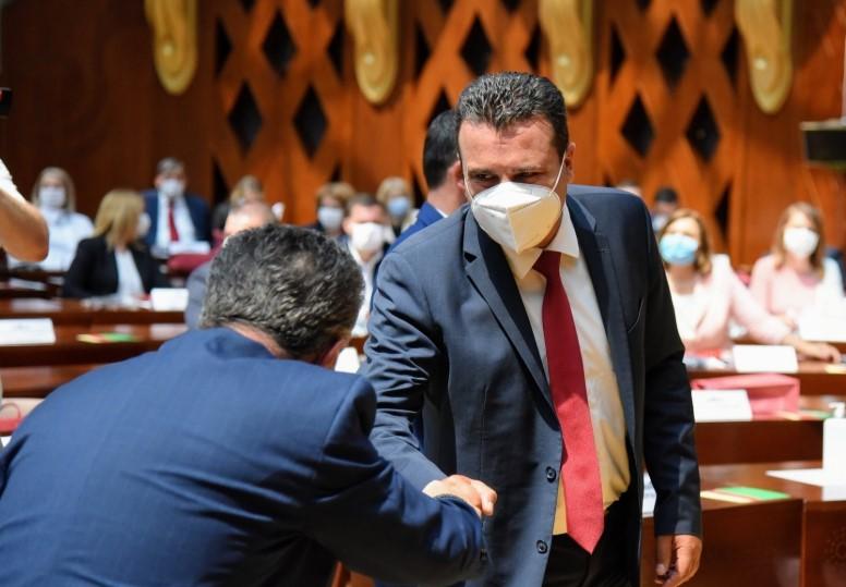 Заев: Обидот да се блокира Собранието е опасно, срамно и неодговорно однесување