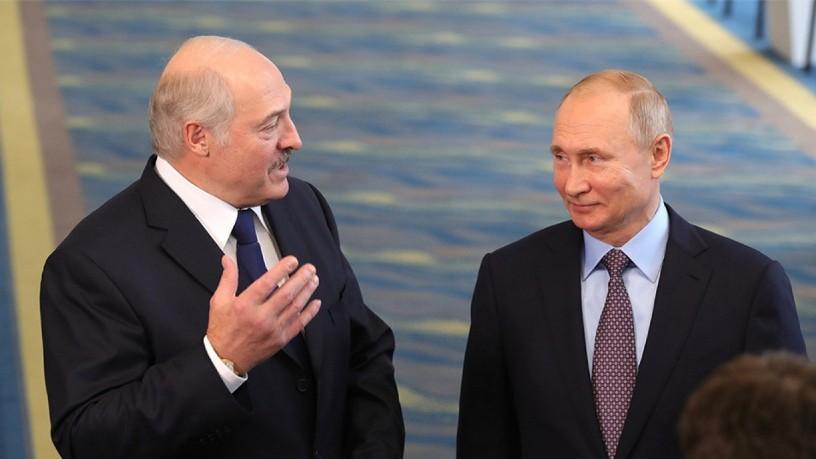 Путин го повика Лукашенко на потесна интеграција со Русија