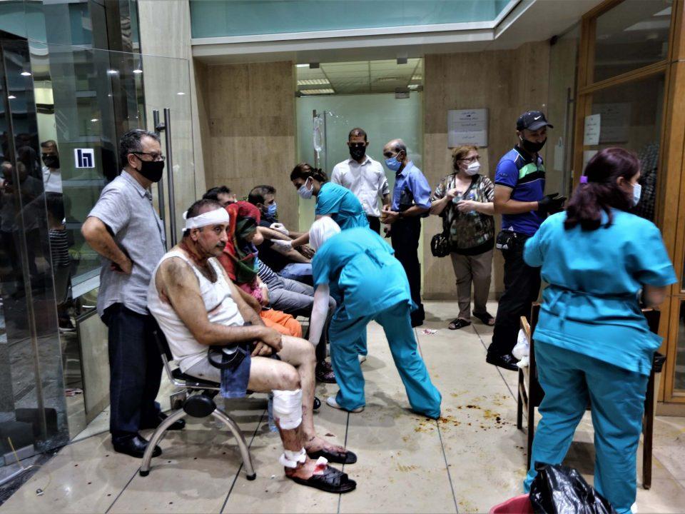 Потресни снимки од болницата во Бејрут