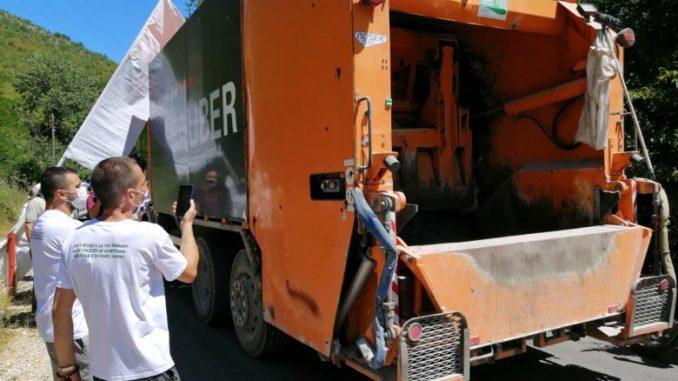 На депонијата Русино од синоќа се пропуштаат само камиони на гостиварски Комуналец