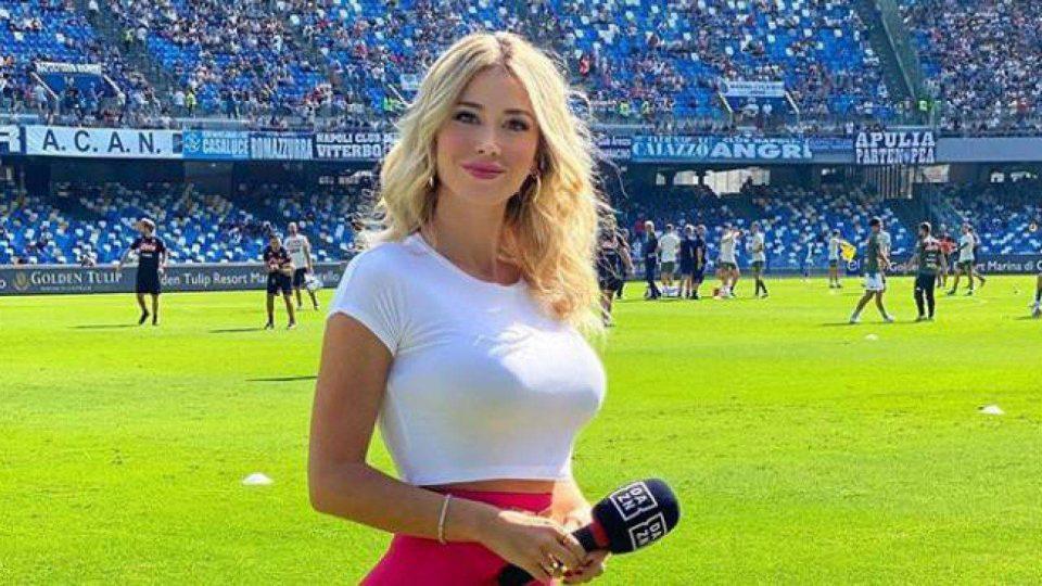 Најзгодната италијанска спортска новинарка ја освои публиката на Инстаграм