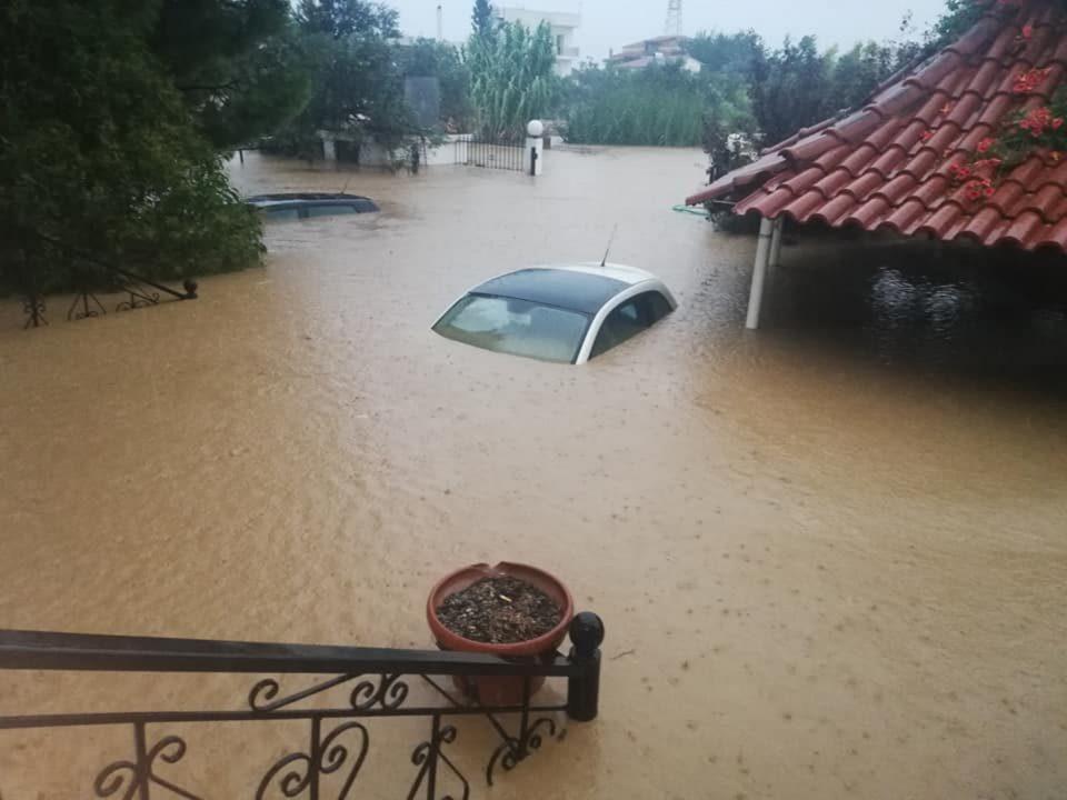 Војна, народ на улица, поплави: Што балканските јасновидци предвидуваат за 2021 година