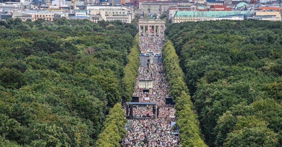 Германија урива рекорди: Над 10.000 заразени во еден ден
