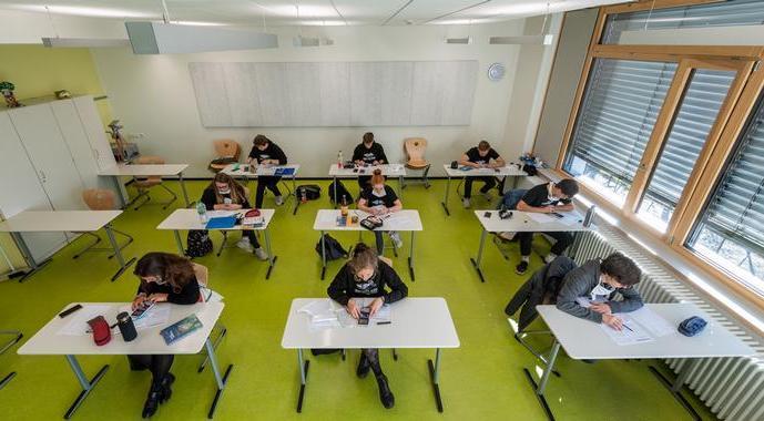 Меркел: Пандемијата ја забрза потребата од дигитализација на училиштата