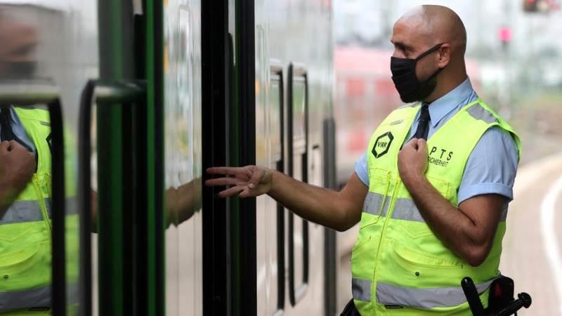 Германските власти воведоа строг карантин во Баварија, училиштата и градинките затворени