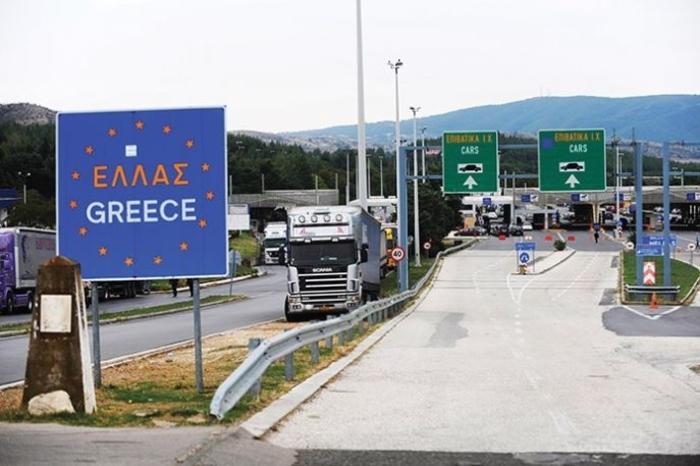 Сите го чекаат петок за да одат во Грција: Има протоколи за на плажа, а подгответе и пари за пет патарини до граница!