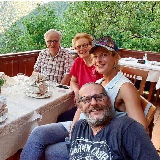 Љубовта е се поцврста: Игор Џамбазов ги запозна родителите на саканата