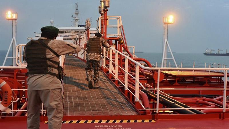 Морнарицата на Иран заплени танкер во Ормутскиот Теснец