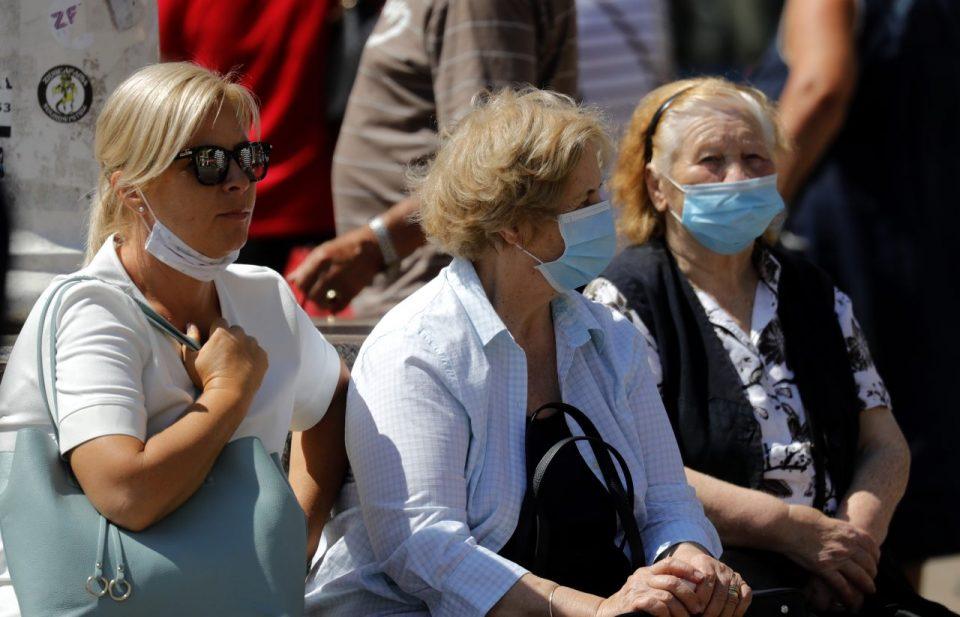 Стотици казни за неносење маска