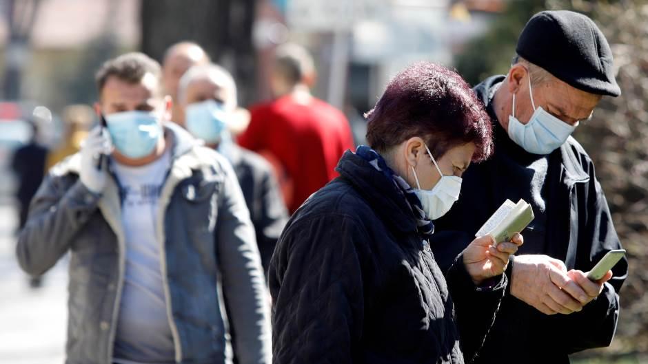 Македонија со нов рекорд: 393 заразени од корона вирус за еден ден