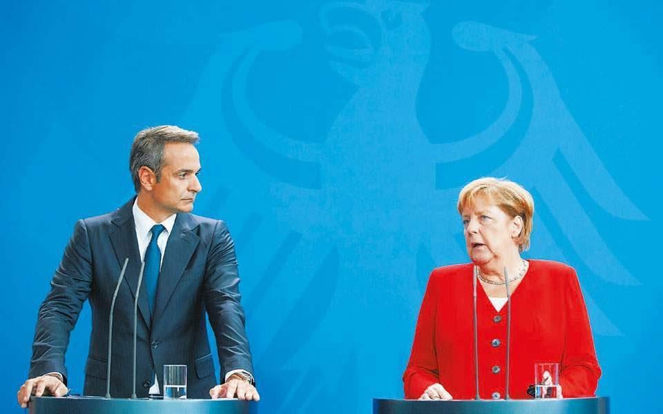 Меркел телефонски разговарала со Мицотакис пред утрешниот состанок во ЕУ