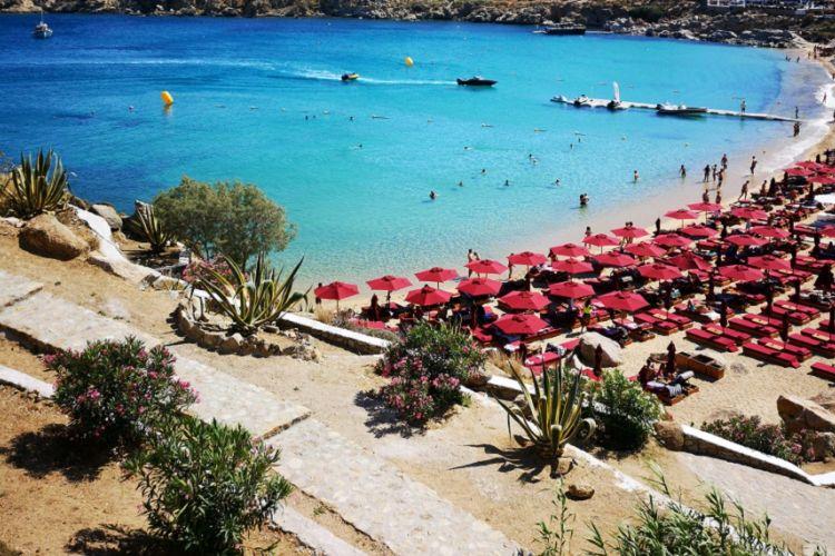 Грчките власти не се загрижени од новата мутација на корона вирусот во пресрет на туристичката сезона