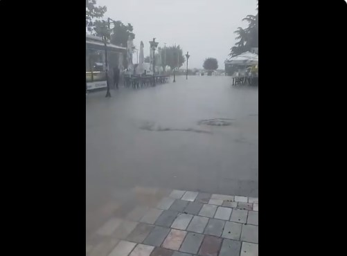 Бурата го поплави охридското корзо