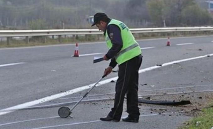 """Судар на """"смарт"""" и камион: Двајца повредени во тешка сообраќајка во тетовско"""