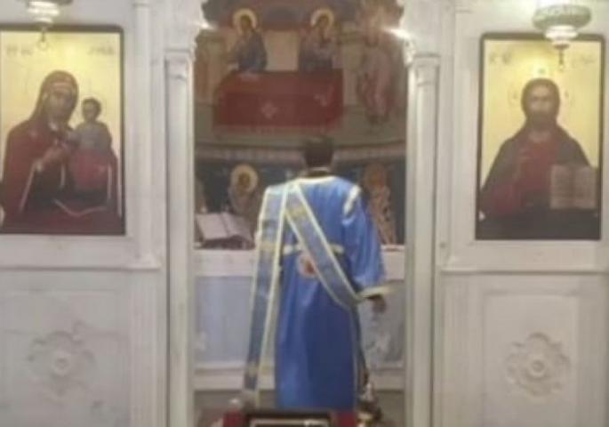 Екплозијата срамни сè околу, но во православната црква во Бејрут негибнат остана олтарот