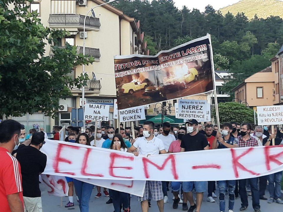 Кичевчани на марш против поскапување на струјата
