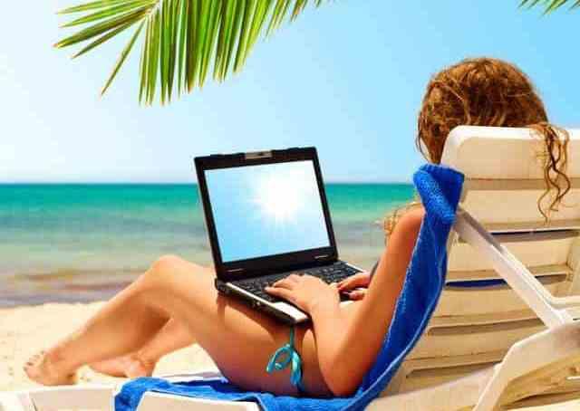 Грција ги отвори плажите – СМС-порака со код за резервирање лежалка