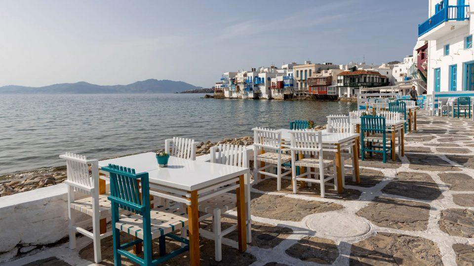 Од први мај Србите што се вакцинирале ќе можат да летуваат во Грција