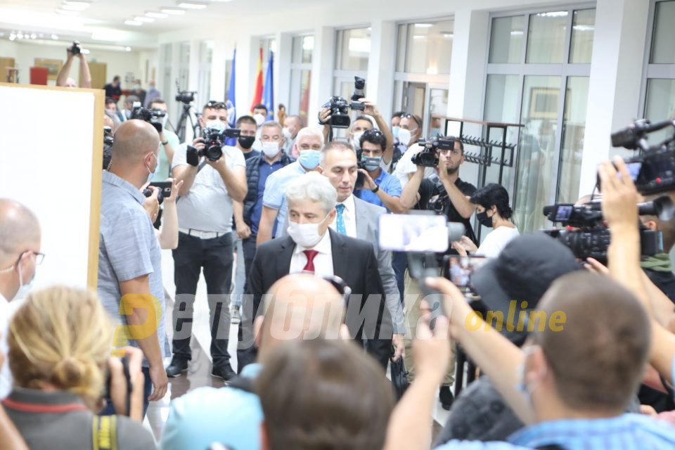 Ахмети ќе сведочи во Хаг: Османи тврди дека е повикан како сведок