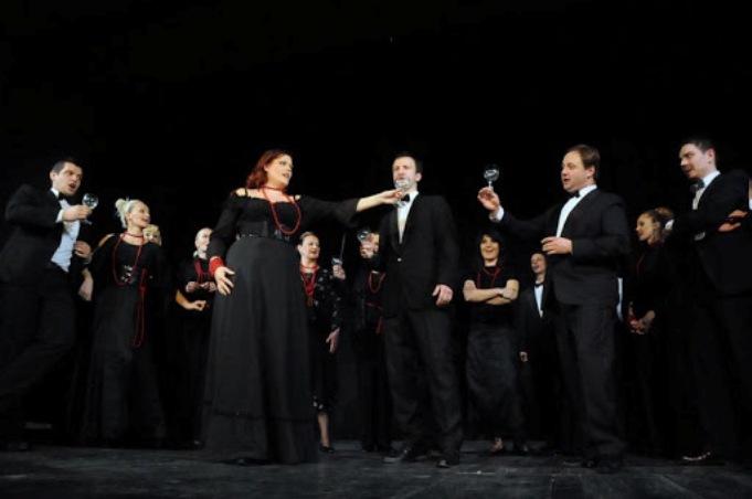 """Вокалниот ансамбл """"Ноктурно"""" од Белград вечерва на """"Охридско лето"""" со традиционални напеви, црковни и духовни песни"""