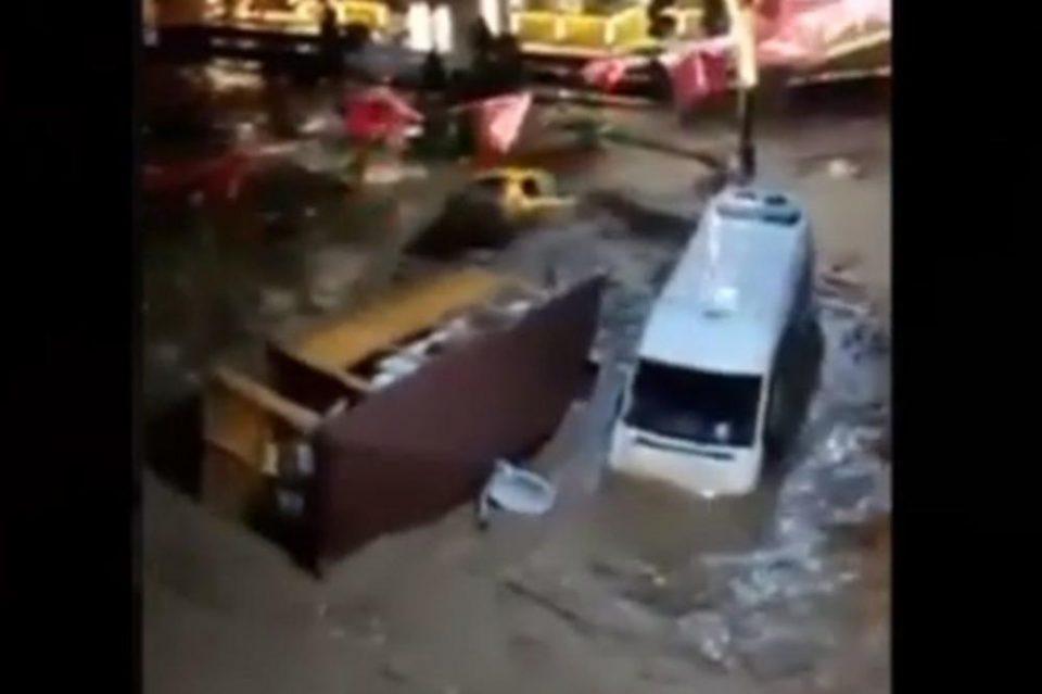 Тројца загинати и 11 исчезнати: Обилните врнежи предизвикаа поплави во Турција