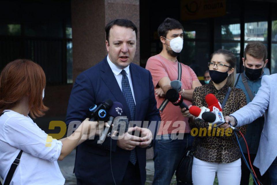 Николоски: Заев нема да ме замолчи, ме тужеше, а денеска не дојде на Суд