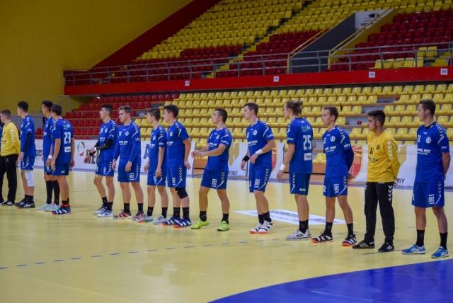 Цел клуб оди во изолација, дури 16 позитивни на Ковид-19 во тимот на Кирил Лазаров!