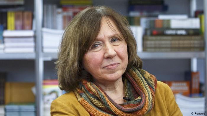 Нобеловката Светлана Алексиевич побегна од Белорусија