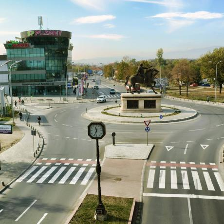 Стоп за урбаната мафија: Жителите на Ѓopче Петров излeгyват на протест