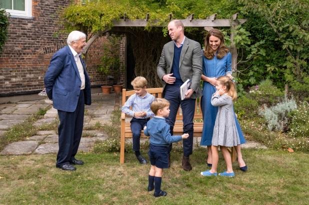 Штедливата Кејт Мидлтон ја облекува принцезата Шарлот во фустан од 23 фунти