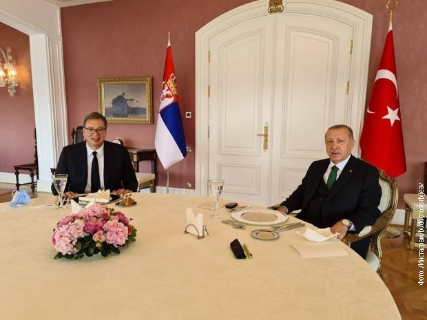 Вучиќ и Ердоган на средба во Истанбул