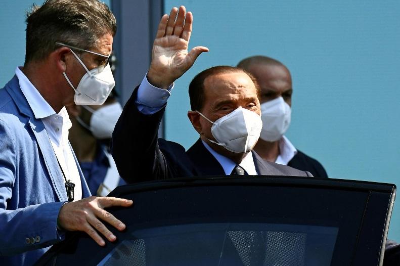 Берлускони ја напушти болницата по битката со Ковид-19