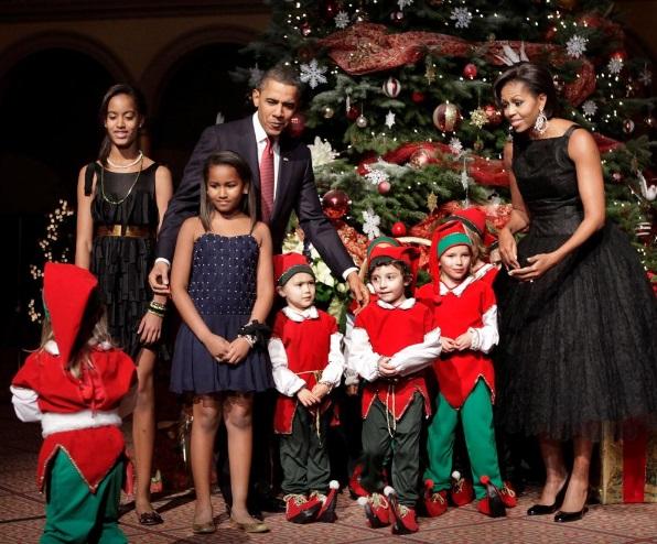 Фустан на Мишел и кошаркарски дрес на Обама одат на аукција