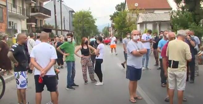 ВО ЖИВО: Протест во Ѓорче Петров против дивеењето на улиците
