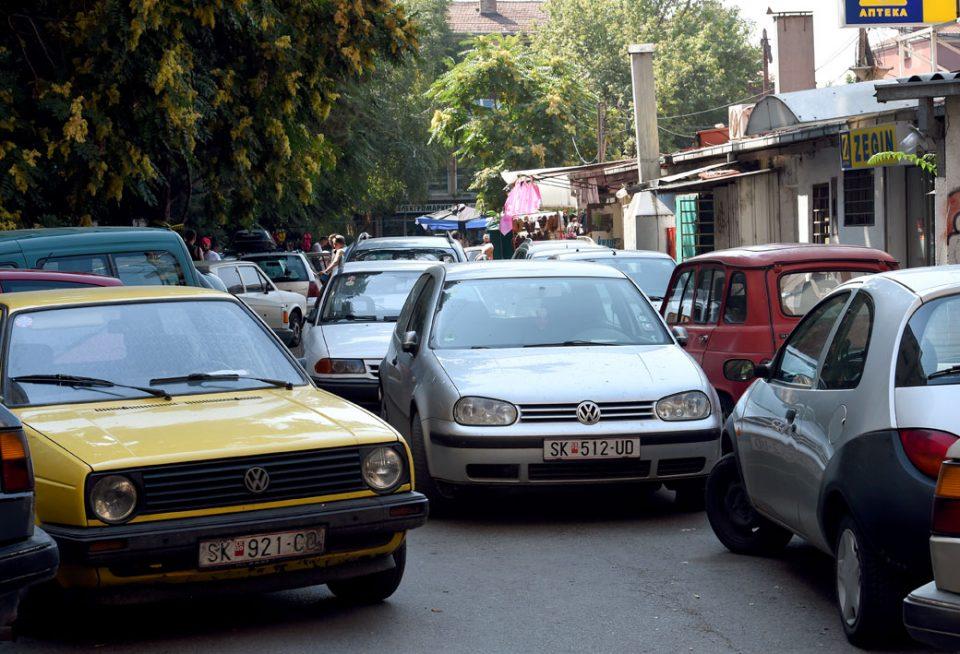 Тројца Арачиновци краделе возила