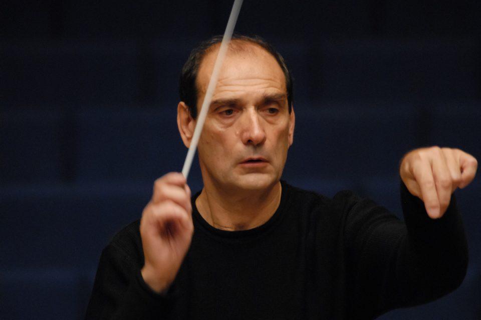 """Бугаринот Емил Табаков ќе диригира со Филхармонија на концертот """"Шпански танц"""""""