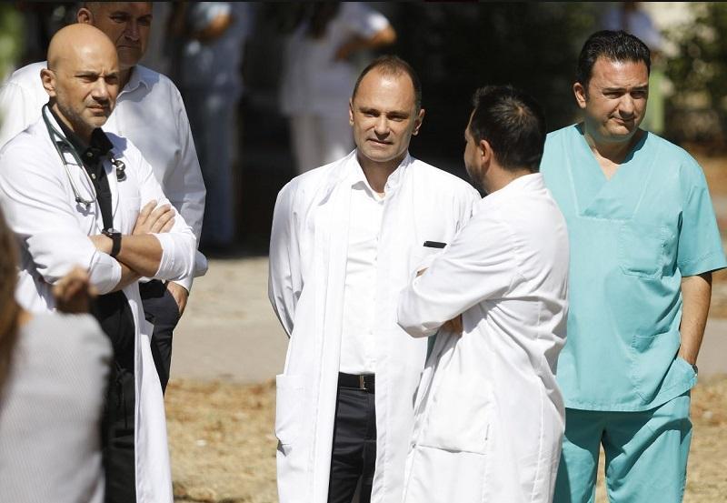 Пред една година Филипче вети полициско обезбедување на сите болници, но докторите повторно се цел на физички напади
