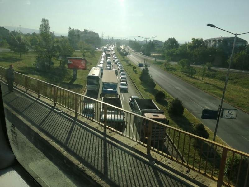 Шилегов ги упати граѓаните од автопат да влезат во Автокоманда преку Радишани