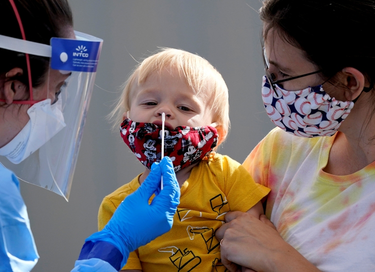 Филипче: Децата од Гевгелија имаат обична вирусна инфекција, не прележале Ковид-19