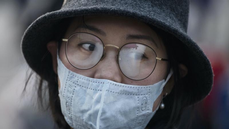 Носењето очила го намалува ризикот од пренесување на корона вирусот на очите