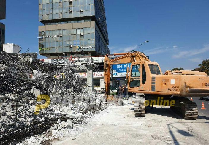 ДС: Претседателот Пендаровски да не го потпишува законот за дивоградбите