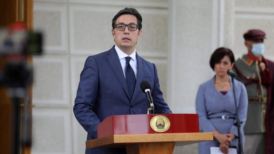 Пендаровски: Горди сме што Денот на албанската азбука веќе 14 години е државен празник во нашата татковина