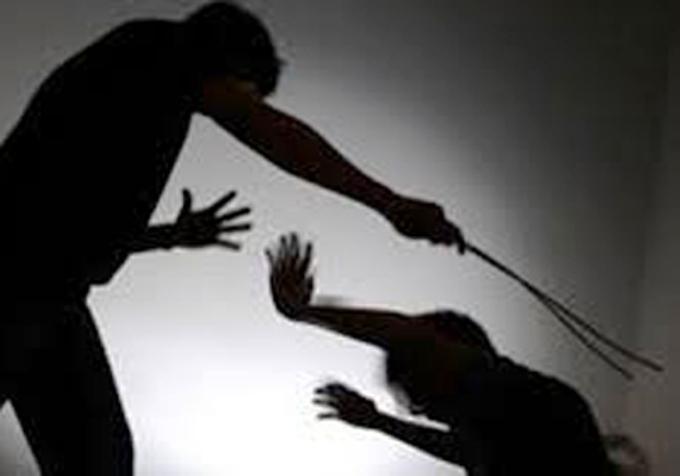 Сопствeник на ресторан во Дебар Маало претепан од гости: Не сакале да си одат во 21 часот