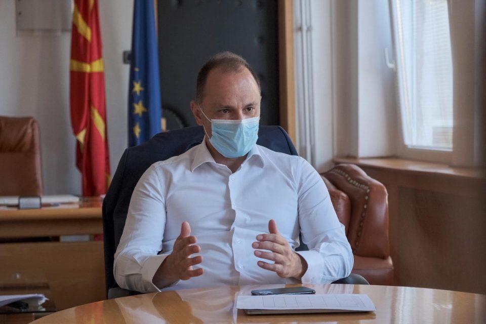 Филипче: Носењето маска значи грижа за сите, да бидеме свесни и совесни