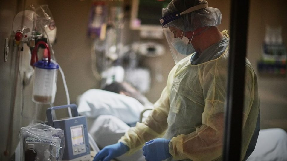 Прв смртен случај во светот по повторна инфекција со коронавирус
