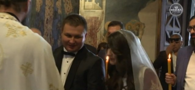 Ој Косово, Косово, земјо моја сакана, земја на славните витези Лазар и Милош, испеаја на венчавката Богдановиќ и сопругата