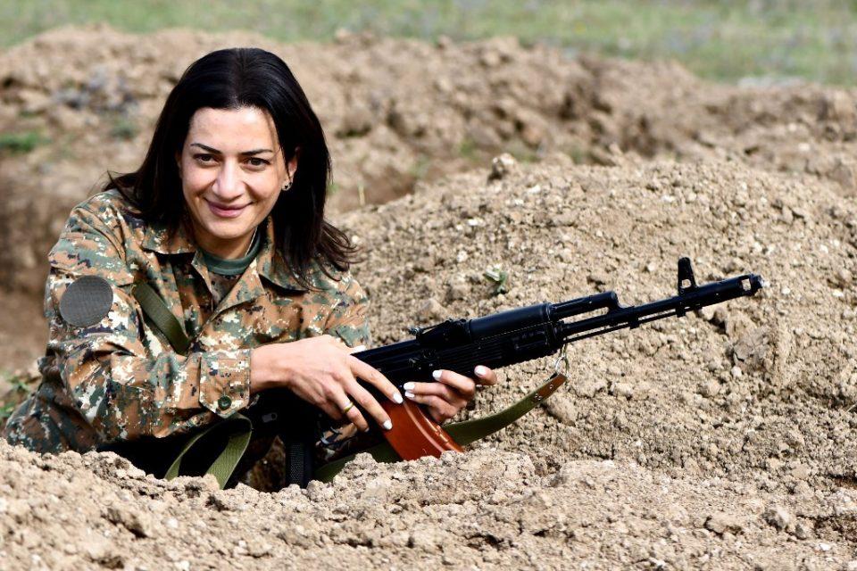 Сопругата на ерменскиот премиер ќе оди во Нагорно Карабах: Формирала одред од 13 жени