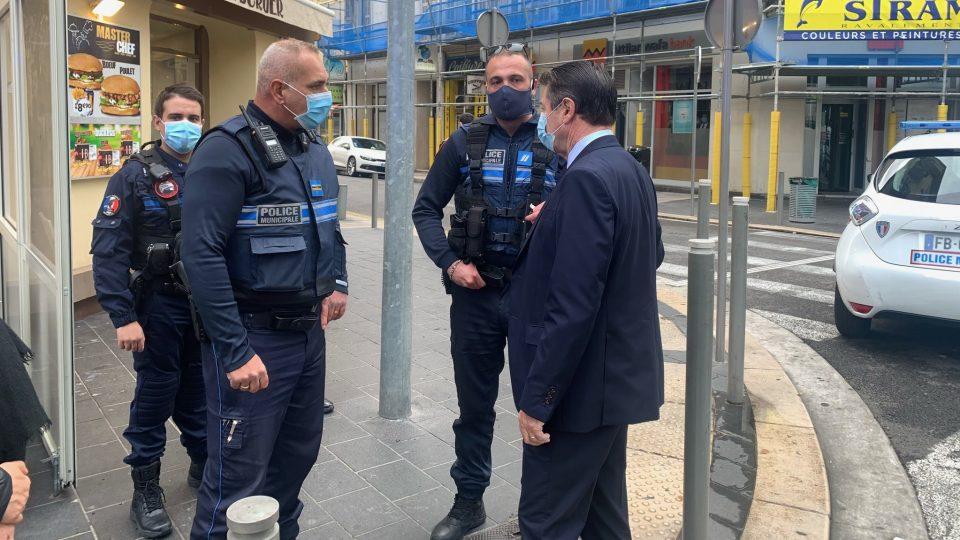 Едно лице убиено, неколкумина повредени во напад со нож во Ница