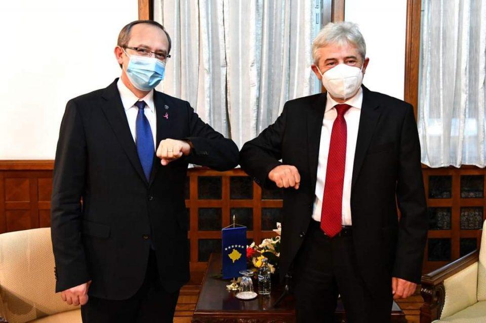 Средба Ахмети-Хоти: Само преку договор земјите може да одат напред